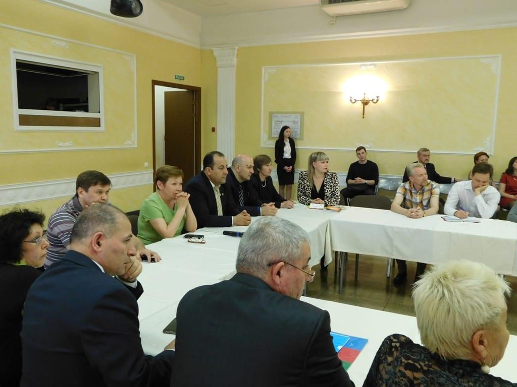 Врио Главы Удмуртии встретился с руководителями национально-культурных объединений