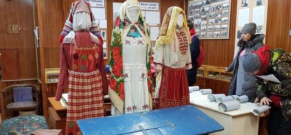 финно-угорские костюмы