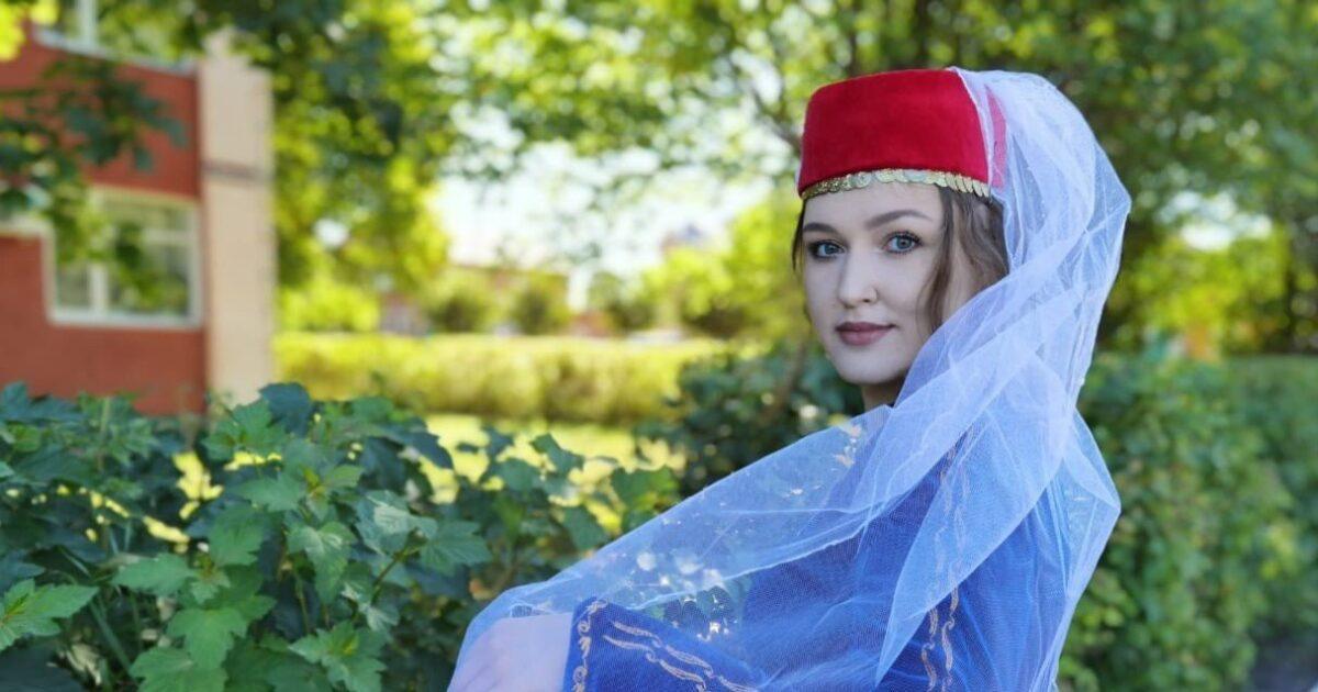 фото армянской девушки