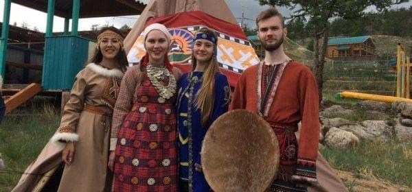 "Сотрудница ДДН представила Удмуртию на форуме ""Байкал"""