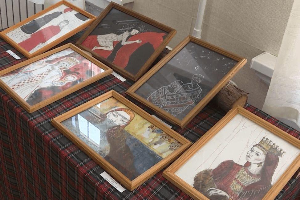 В Ижевске открылась выставка молодой удмуртской художницы Анны Образцовой