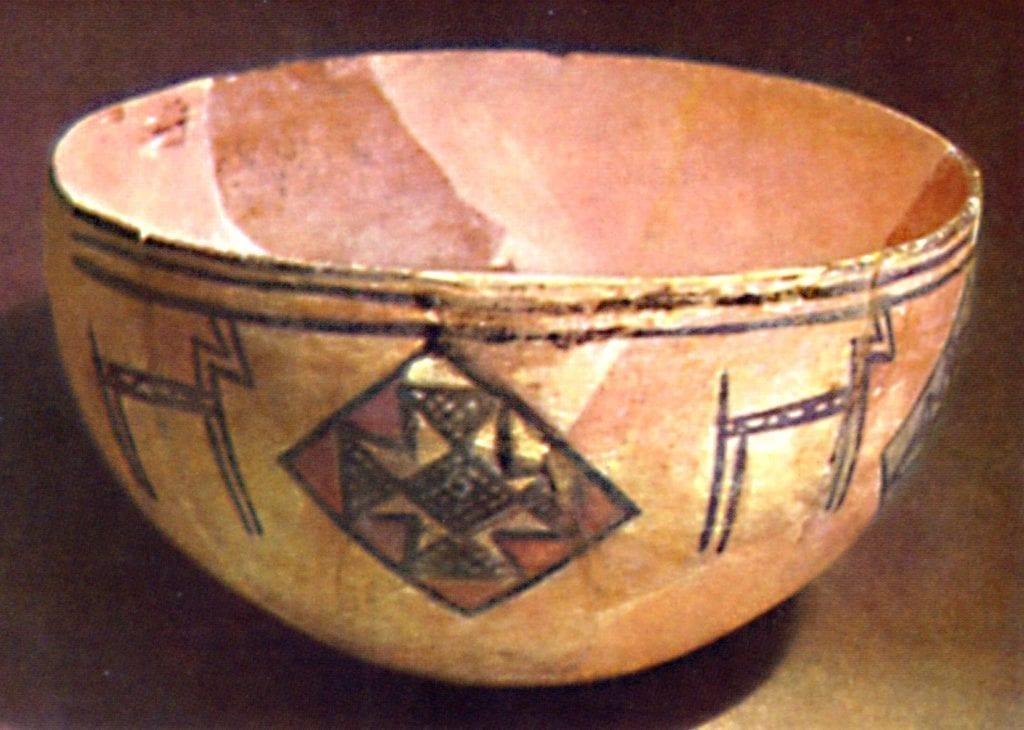 Фото узбекистанской глиняной чаши со звездой толэзё