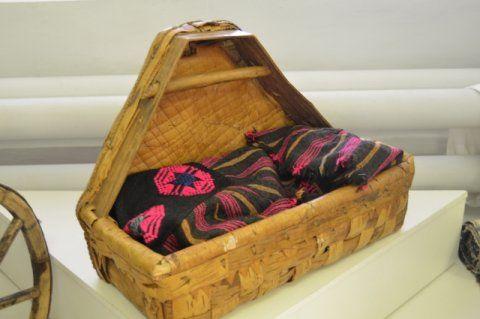 фото плетеной удмуртской колыбели